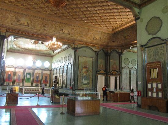 Military Museum: Museum interior