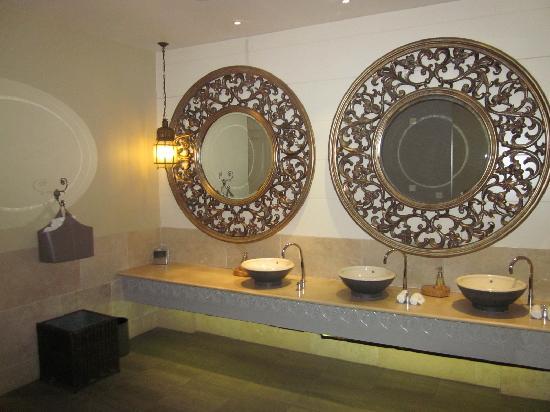 Monart: the ladies toilets
