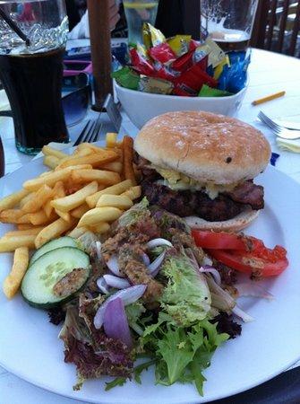 The Reef: Fantastic hamburger!