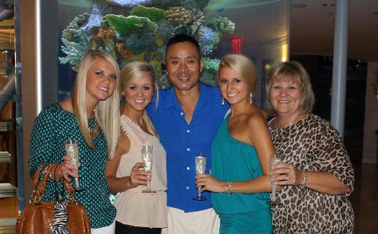 Flatiron Hotel : Mr. Toshi offered us champagne one evening