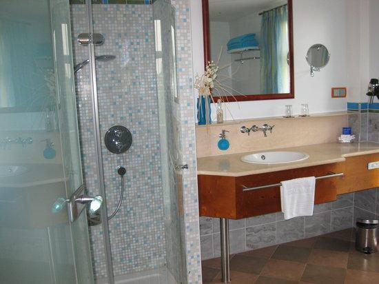 Spirit & Spa Hotel Birkenhof am Elfenhain: Badezimmer, Juniorsuite Venusmuschel