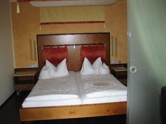 Spirit & Spa Hotel Birkenhof am Elfenhain: Schlafbereich, Juniorsuite Venusmuschel
