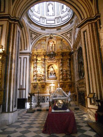 Gorgeous cathedral interior - Picture of Burgos Cathedral ...  Gorgeous cathed...