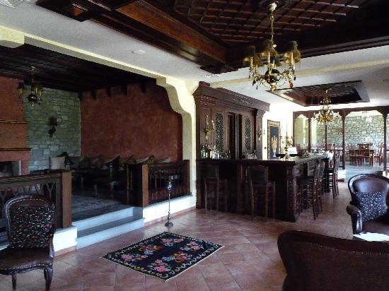 Doupiani House Hotel: le salon