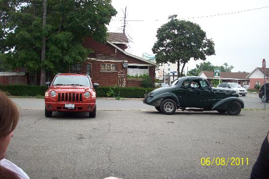 Sunset Inn: our cars