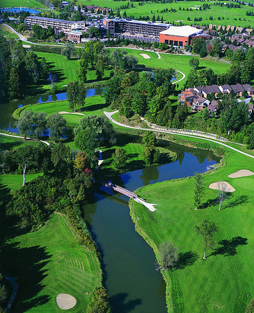 Alliston, Kanada: Aerial view of the 575 acre Nottawasaga Resort