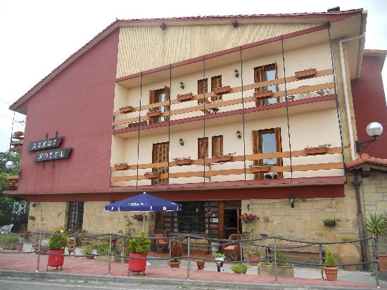 Azkue Hotel