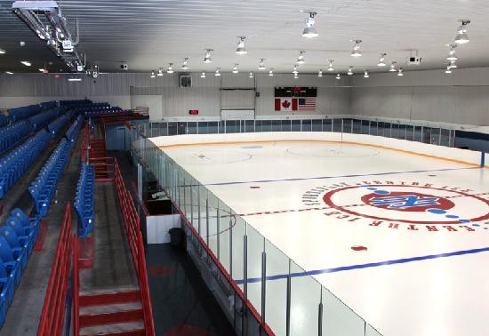 Nottawasaga Inn Resort : Onsite arena featuring 2 NHL size surfaces