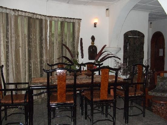 African Garden Lodge: Dining Area