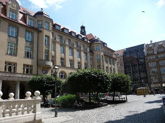 Steigenberger Grandhotel Handelshof: Hotel side