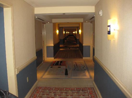 Delta Downs Hotel & Casino: Hallway on 6th Floor