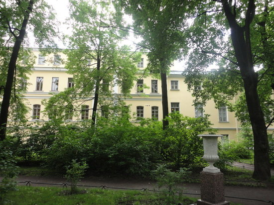 ‪Anna Akhmatova Museum at Fountain House (Fontanny Dom)‬