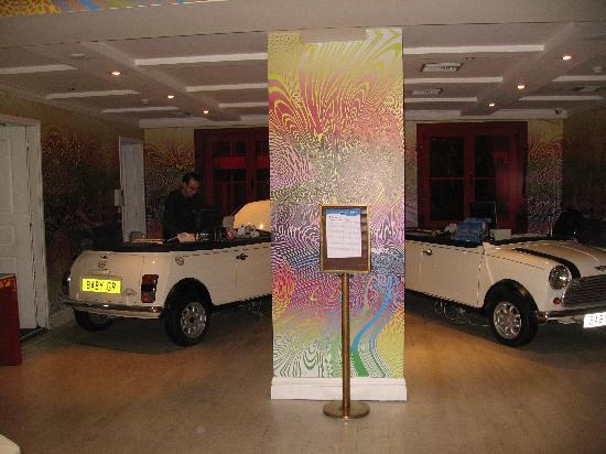 Pallas Athena Grecotel Boutique Hotel: Front desk.