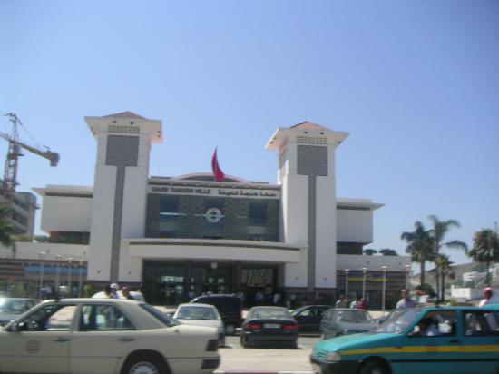 Ibis Tanger City Center : Tangier train station