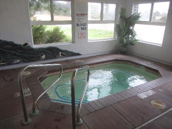 Arcata/Eureka Holiday Inn Express: Hot Tub