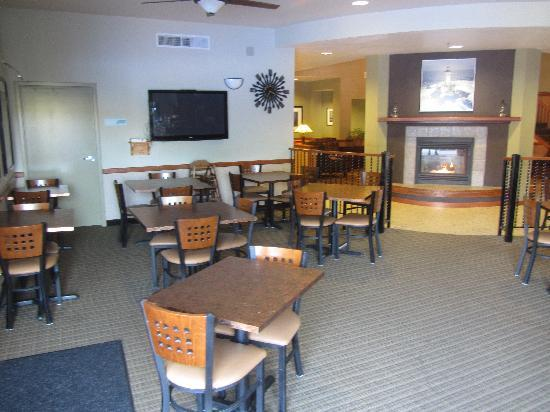 Arcata/Eureka Holiday Inn Express: Breakfast Dining Room