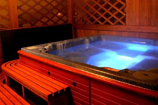 Bella Cottage - Chalupa Bella: Outdoor spa