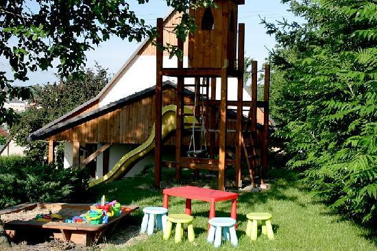 Bella Cottage - Chalupa Bella: Outside children play area