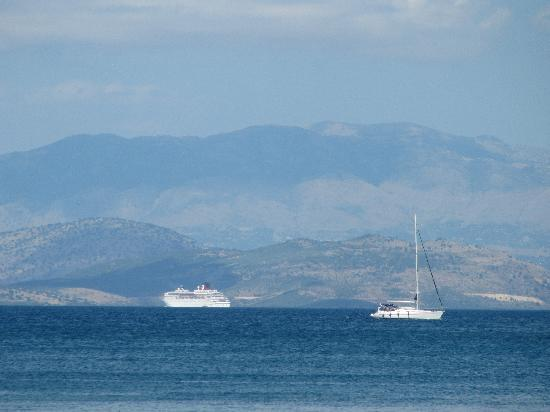 Grecotel Daphnila Bay Dassia: vue depuis la plage