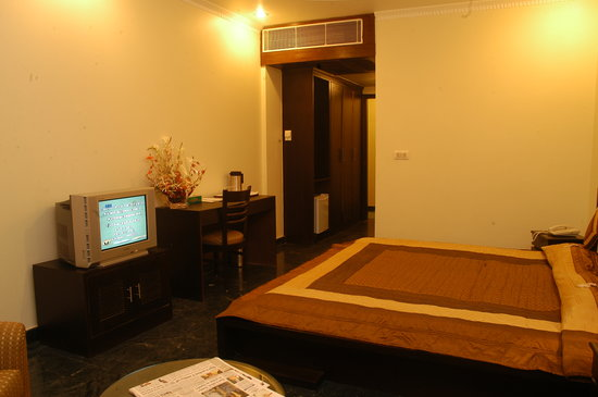 The Vishraam: Deluxe room