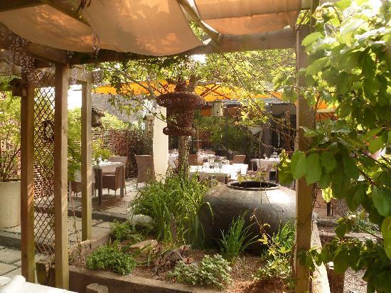 La Mare aux Oiseaux : La terrasse du restaurant.