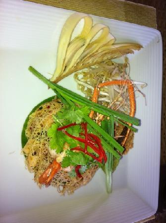 The Farmer Restaurant and Bar: rice noodles with blue prawn.