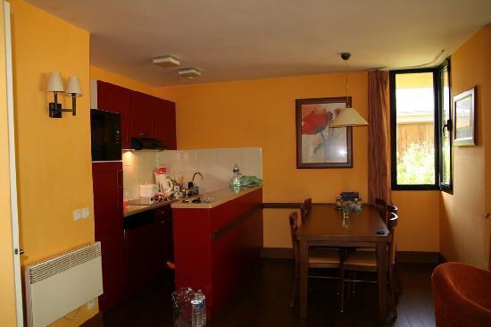 Center Parcs Les Bois-Francs : Kitchen