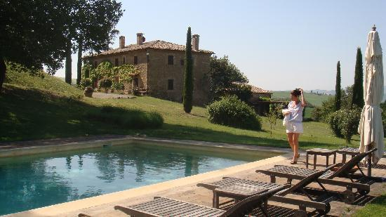 Agriturismo Le Macchie : The gorgeous swimming pool