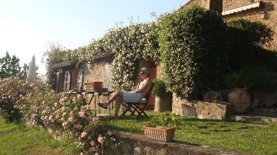 Agriturismo Le Macchie: The very private Moraiolo apartment
