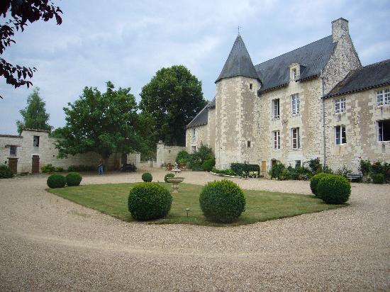 Au Prince Grenouille: het prachtig kasteel
