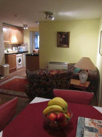 Captain's House: living room