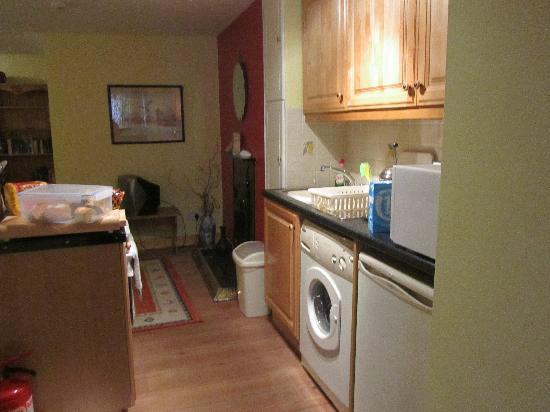 Captain's House: kitchen