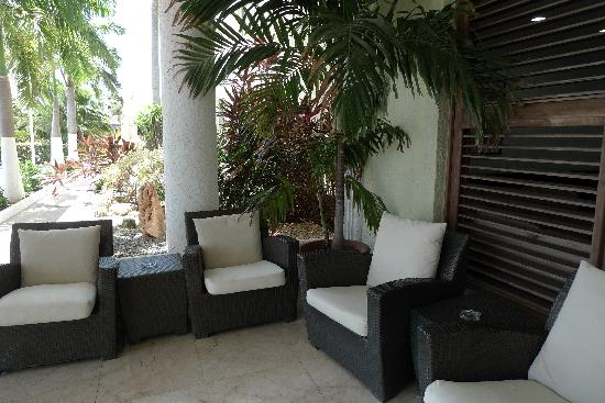 Brickell Bay Beach Club & Spa: Lounge area