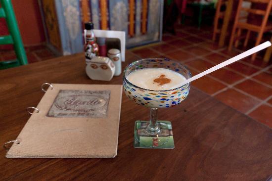 Restaurant El Grito Parrilla Mexicana: Piña Colada and Menu