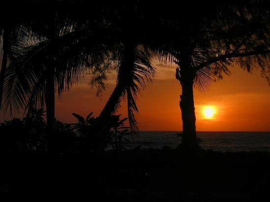 Takua Pa, Thailand: Sunset at Khao Lak