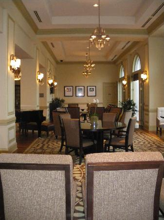 The Westin Savannah Harbor Golf Resort & Spa: Large Lobby