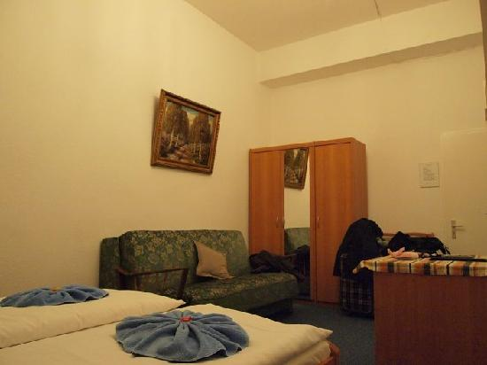 Gasteiner Hof: Double room~ around  € 52  per night~