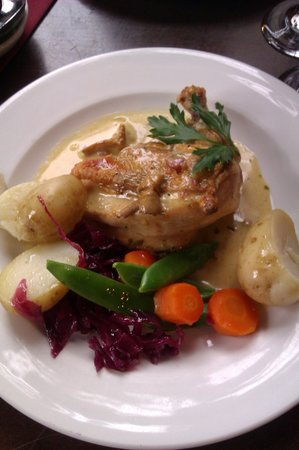 a room in the town: Delicious chicken main course.