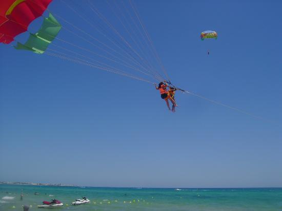 Samira Club: going up in the air....