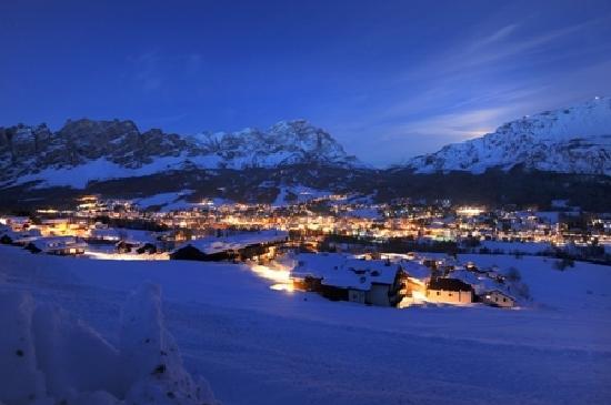 Кортина-д'Ампеццо, Италия: Provided by: Cortina d'Ampezzo