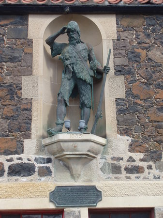 Fife, UK: Robinson Crusoe Statute