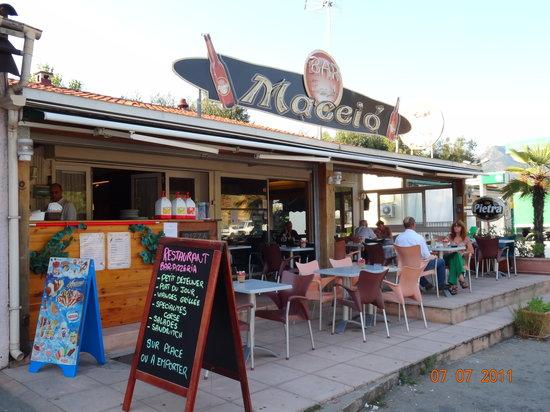 Le Maceio: le restaurant et la terrasse