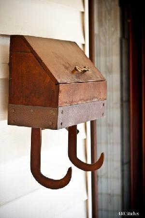 The Manor Bed & Breakfast : Mail Box