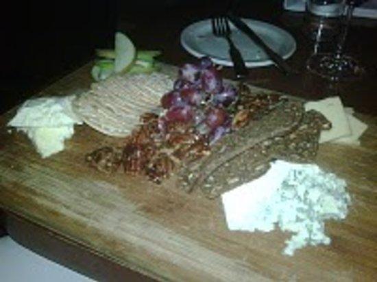 Brava Bistro: Cheese Plate!