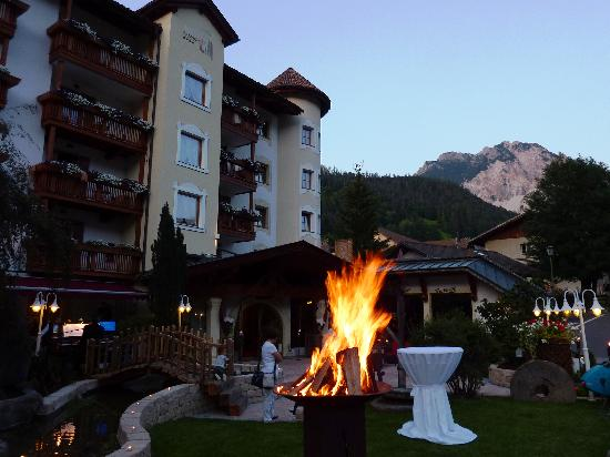 Wellnesshotel Almhof Call: summeremotions in the Dolomites