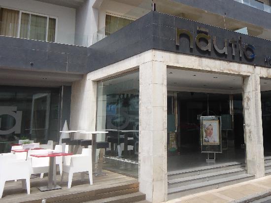 Nautic Hotel & Spa: The hotel entrance
