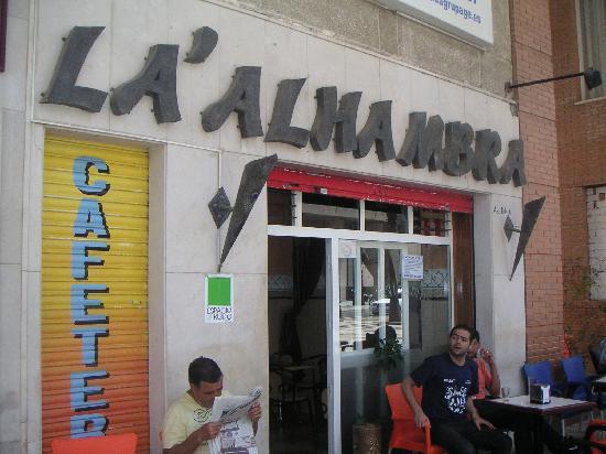Hotel Ceuta Puerta de Africa: Alhambra cafe across the street