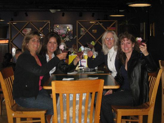 World Cafe: Great place for a cosmo with friends.