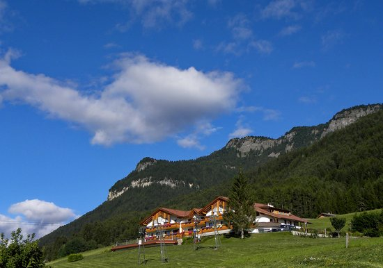 Кастельротто, Италия: L'hotel immerso tra i pascoli