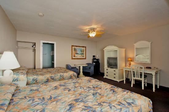 Del Mar Motel on the Beach: Room with 2 Double Beds